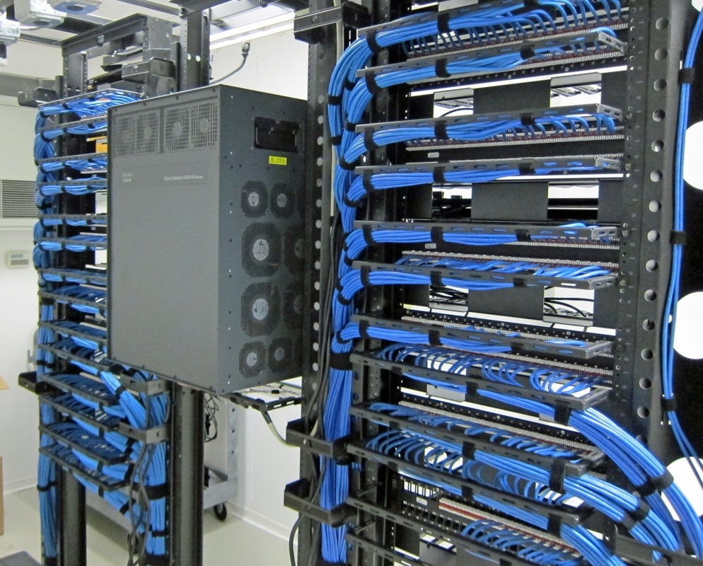 Server Room Design : Cable management advanced wireless
